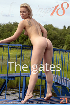 Stunning18 - Eleanor - The gates by Thierry Murrell