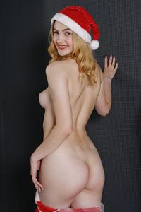 Goddess Nudes - Hanah 1 201225 - featuring Hanah by Stanislav Borovec