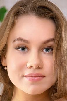 Lila Nova