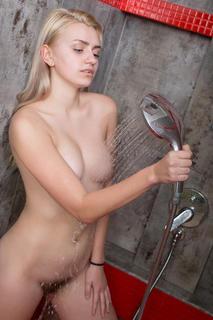 Фотосет Susann - My Shower